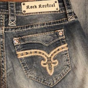 Rock Revival Crop jeans Size 27!